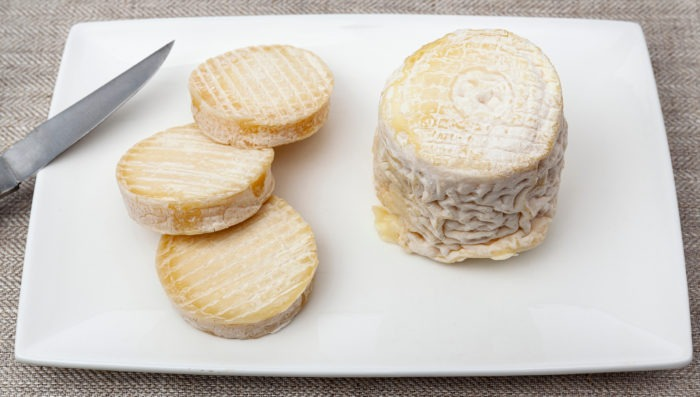 french goat's milk cheeses in bordeaux, chabichou