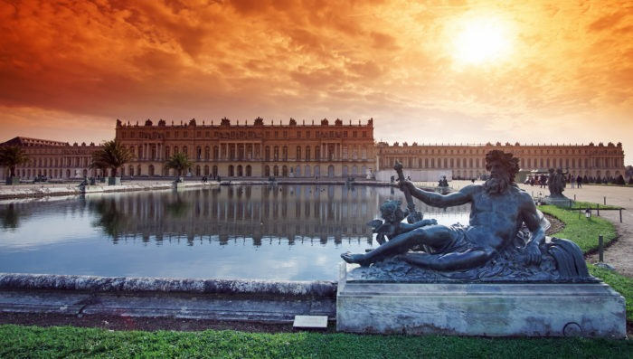 Versailles view of palace and fountain