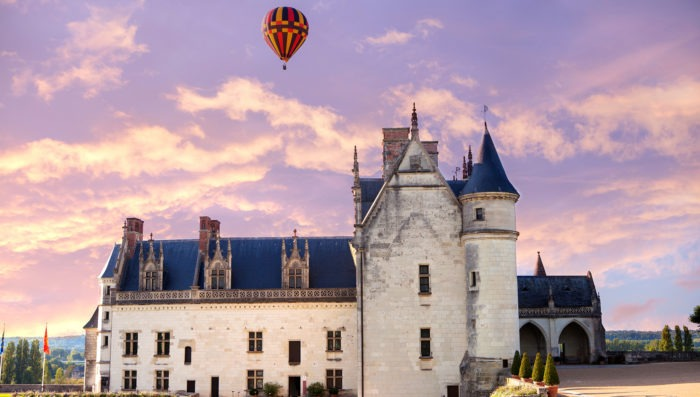 Hot air balloon in Loire Valley and its castles
