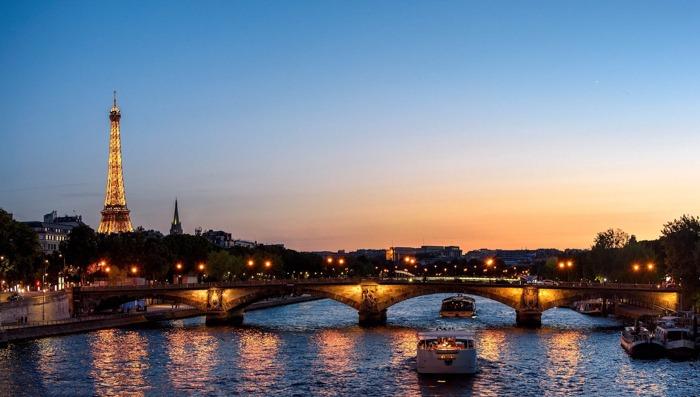 paris tour by night