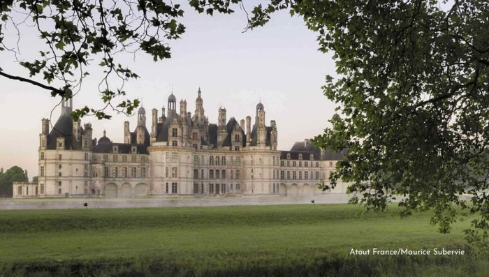 foggy morning at castle of chambord loire valley