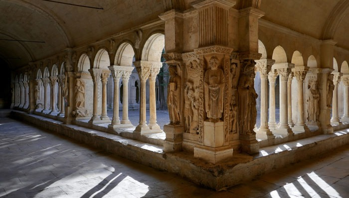 travel-areles-culture-france