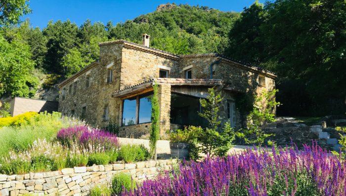 homanie village in stone with lavender field