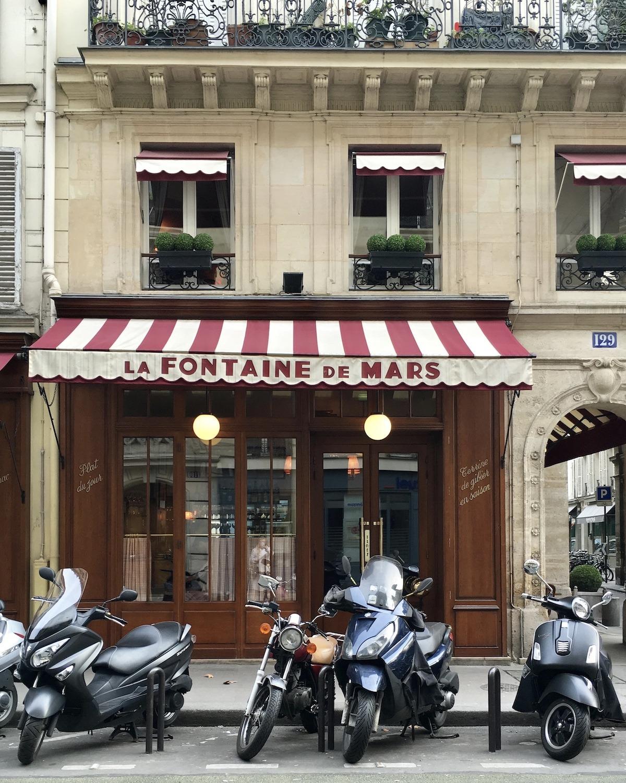 la fontaine de mars classic french restaurant